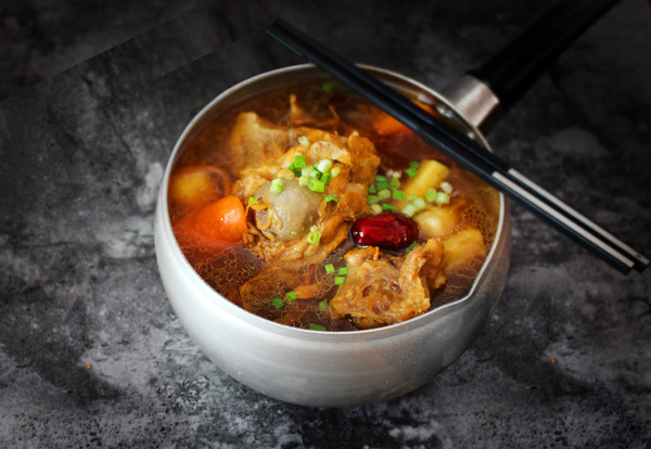 入秋一碗养生汤【虫草花猪骨汤】#晒出你的团圆大餐#的做法