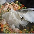 鲜虾咖喱炒饭的做法图解5