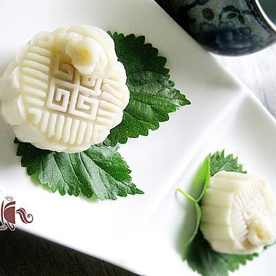 白玫瑰冰皮月饼