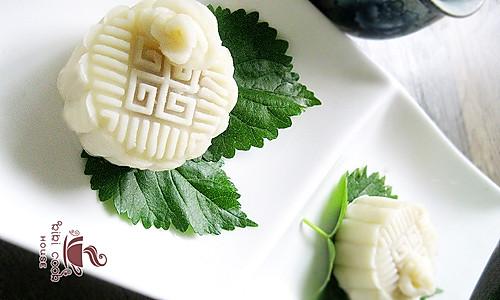 白玫瑰冰皮月饼的做法