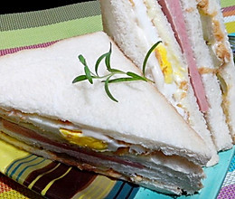 肉松火腿鸡蛋三明治的做法