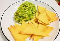 墨西哥鳄梨酱配玉米片的做法
