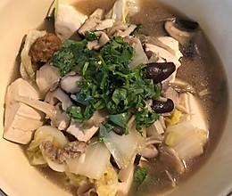 菌菇豆腐煲的做法