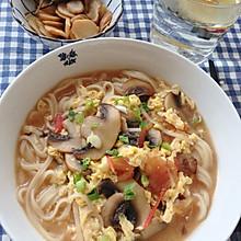 #美食视频挑战赛#西红柿鸡蛋面|拯救厨房小白