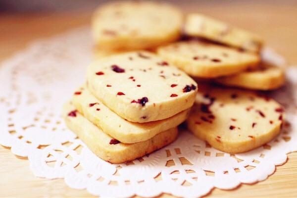 无烤箱版蔓越莓饼干的做法