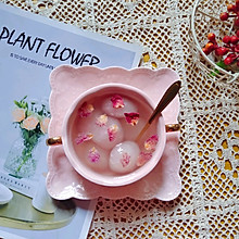 #换着花样吃早餐#山药玫瑰水晶汤圆
