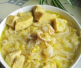东北家常菜——酸菜炖冻豆腐(家乐浓汤宝试用)的做法