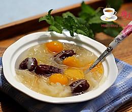 夏日解暑美味甜品----红枣南瓜银耳汤的做法