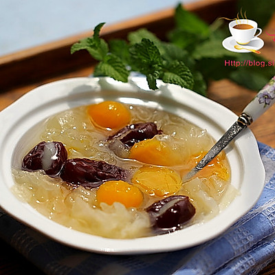 夏日解暑美味甜品----红枣南瓜银耳汤
