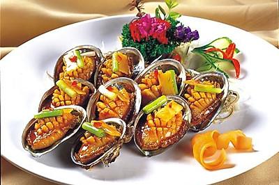鲍鱼—出自缅甸银河国际的开户鲍鱼大师的特色招牌菜