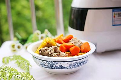 #520,美食撩动TA的心!#筒子骨玉米汤