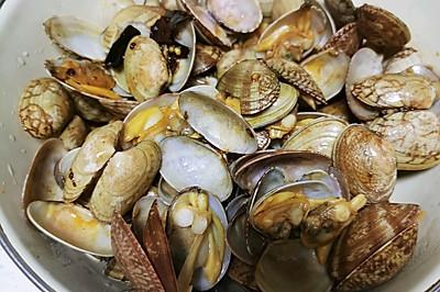夏天夜市必不可少的爆炒花蛤
