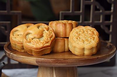 斑斓椰蓉和抹茶红豆馅月饼