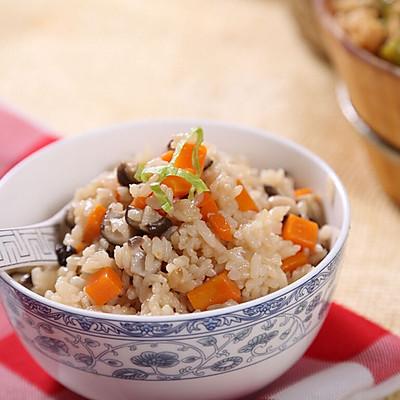 自动烹饪锅做胡萝卜香菇焖饭-捷赛私房菜