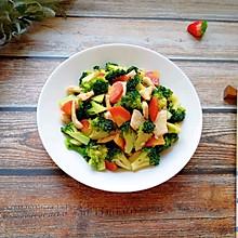 西兰花红萝卜烩鸡肉#带着美食去踏青#