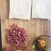 吐司三明治#哆啦A梦的口袋三明治#的做法图解1