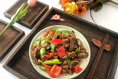 #春天肉菜这样吃#干煸尖椒肥肠