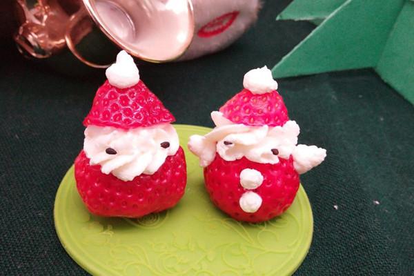 草莓圣诞精灵的做法