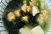 裙带虾滑豆腐汤的做法