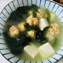 裙带虾滑豆腐汤