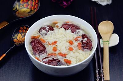 红枣枸杞煮甜米酒