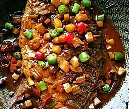 汁浓味鲜的红烧金鲳鱼的做法