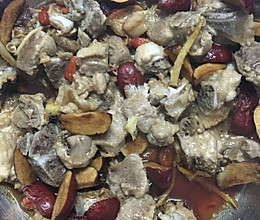 红枣蒸排骨(月子餐)的做法