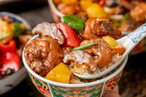 黄焖鸡米饭丨鲜香嫩滑的做法