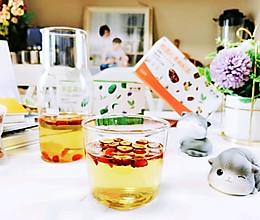 冰糖桂圆红枣枸杞茶的做法