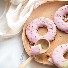 草莓甜甜圈饼干