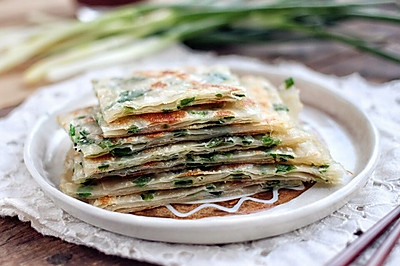 快手葱油饼(饺子皮版本)