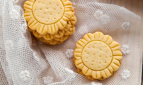 梦幻的向日葵饼干的做法