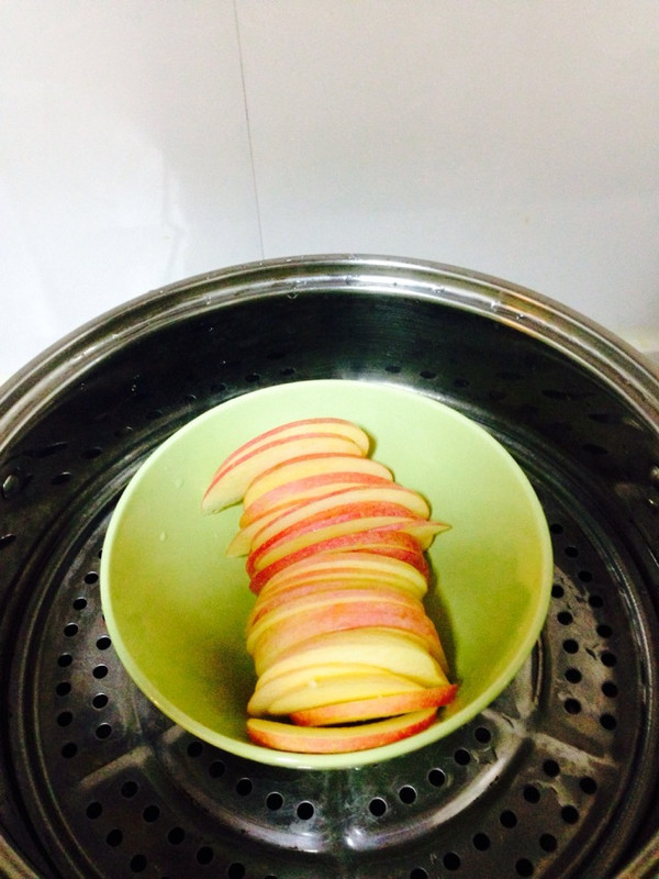月子食谱-蒸苹果的做法