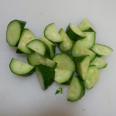 排毒芹菜汁的做法 步骤3