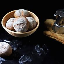 健身减脂必备:最单纯的黑麦小面包,如法棍健康,比泡面简单