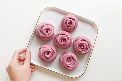 宝宝辅食·玫瑰花紫薯牛奶馒头