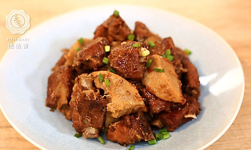 迷迭香:芋头排骨的做法