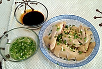 清淡不油腻的: 白切鸡 白斩鸡 粤菜 两种蘸料的做法