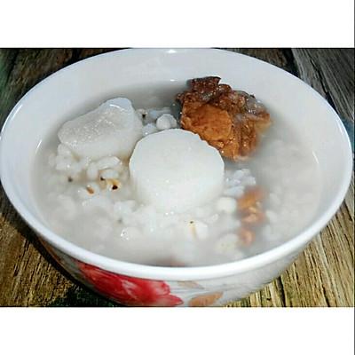 每日一粥:薏米山药排骨粥