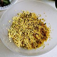 绿黍红花枣生粽的做法图解5