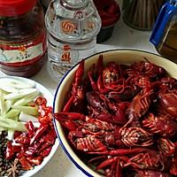 超简单美味麻辣小龙虾的做法图解2
