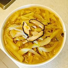 私房香菇土豆老式炖白菜
