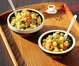 肉丁杂蔬炒馒头丁的做法