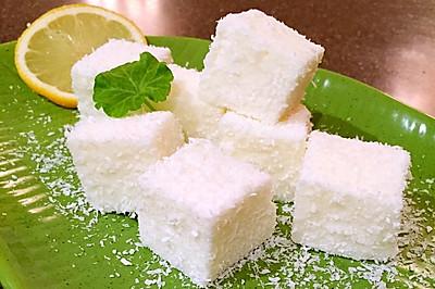 夏日甜点:椰蓉牛奶小方