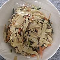 #爽口凉菜,开胃一夏!#凉拌豆腐皮的做法图解12