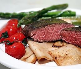 【香煎温水浴菲力牛排】节日牛排 多汁多汁的粉嫩牛排肉最好吃的做法