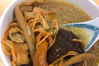 八珍菌鸡汤
