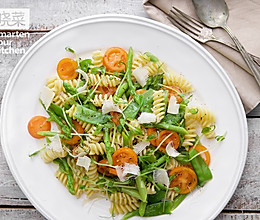 什锦蔬菜意面沙拉的做法