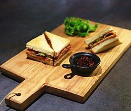 上班族白领早餐必备豪华三明治的做法