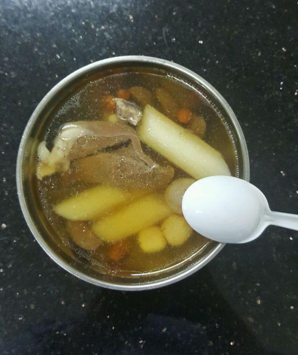 滋补猪心汤的做法